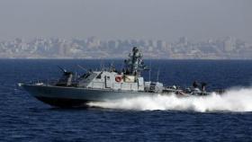 زوارق الاحتلال تستهدف مراكب الصيادين شمال غزة