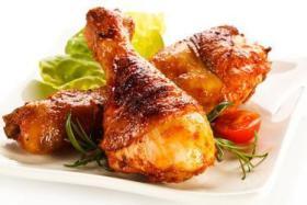 أفخاذ الدجاج بصوص الثوم والعسل