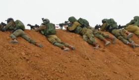 قائد إسرائيلي يجتمع برؤساء مستوطنات غلاف غزة