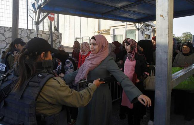 """213221 - في الجمعة الاولى من رمضان.. الاحتلال يحول القدس لـ""""ثكنة عسكرية"""" (صور)"""