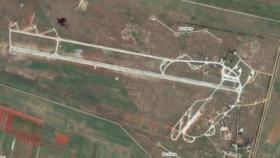 مطار الضبعة.. ضربات مجهولة تدك مستودعات لحزب الله