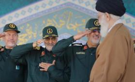 """هآرتس: طهران تعيد النظر بسياستها في سوريا.. وخطوات مفاجئة لـ""""محبوب إيران"""""""