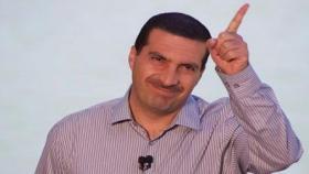 فيديو| عمرو خالد يحذف إعلان الدواجن بعد السخرية منه