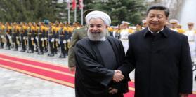 إيران والصين تتفقان على اعتماد العملة المحلية بدلًا من الدولار بالتبادل التجاري