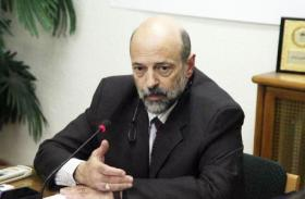 رئيس حكومة الأردن الجديد يتعهد بسحب قانون الضريبة