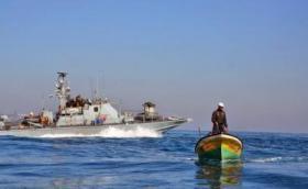 الاحتلال يعتقل 3 صيادين قبالة سواحل بيت لاهيا