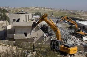 الاحتلال يبدأ بهدم وتجريف مشاتل ومنشآت في القدس المحتلة