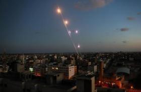 الاحتلال يزعم: إطلاق صاروخ من غزة تجاه الأراضي المحتلة دون تفعيل صفارات الانذار