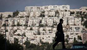 تقرير: بنوك اسرائيلية تمول البناء في المستوطنات وقوانين استيطانية جديدة تكرس الضم الفعلي للضفة الغربية