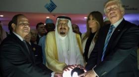 """صحيفة عبرية: الأمريكان أرادوا تمرير صفقة القرن """"من فوق رأس"""" الفلسطينيين"""