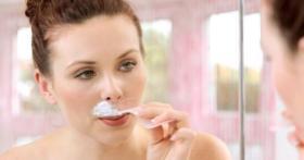 نصائح لإزالة الشعر حول الفم بشكل مثالي