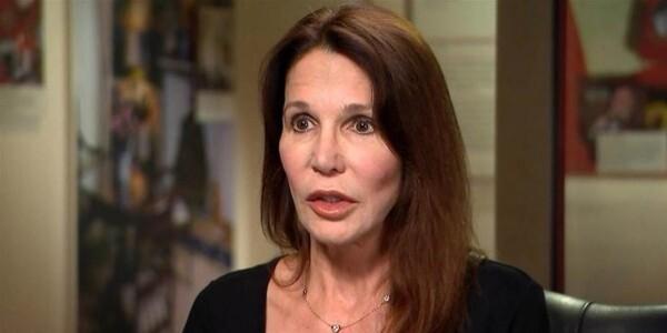 باتي دافيس ابنة الرئيس الأمريكي الراحل رونالد ريغان