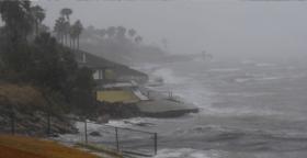 """الإعصار """"مايكل"""" يكتسب المزيد من القوة ويتحول إلى إعصار من الفئة الثالثة"""