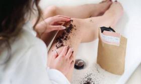 كيف تتخلصين من الشعر تحت الجلد