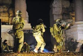 حملة اعتقالات ومداهمات في انحاء مختلفة من الضفة المحتلة