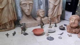 الخليل.. الشرطة تضبط 70 قطعة أثرية وجهاز كشف عن المعادن
