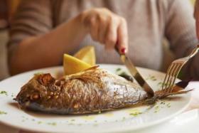 ماذا يحدث عندما تتناول الأسماك يومياً؟
