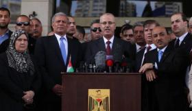 الحمدالله يضع حكومة الوفاق تحت تصرف الرئيس عباس