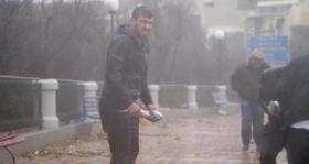 شاهد.. السماء تمطر أسماكا في مالطا
