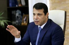 """تطويقا لأزمة حراك """"بدنا نعيش"""".. دحلان يطالب حماس بوقف العنف"""