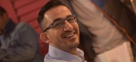 أحمد حلمي ينشرُ صورة شقيقه لأول مرة.. هل يشبهه؟
