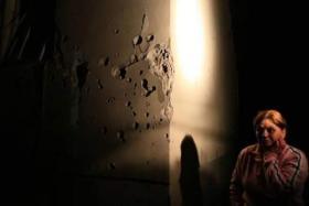 """مستوطن يصف لحظة سقوط صاروخ على منزله بـ """"سديروت"""""""