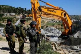 القدس.. الاحتلال يهدم 25 منشأة بحجة البناء دون ترخيص