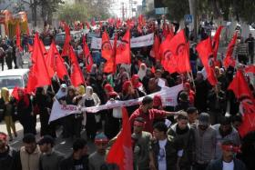 الديمقراطية: نريد حكومة وحدة وطنية لفترة انتقالية تُشرف على انتخابات شاملة
