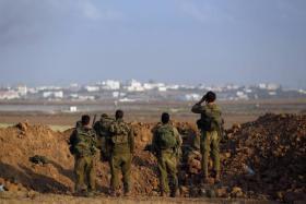 فصائل المقاومة تهدد بالتصعيد والقاهرة تحمل رسائل إسرائيلية إلى حماس