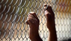الاحتلال يرفض التفاوض حول قضايا الأسرى المركزية ويتنصل من اتفاقاته