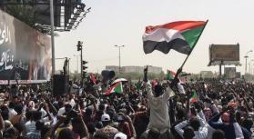 """واشنطن: ندعم انتقالًا ديمقراطيًا بقيادة """"مدنيين"""" في السودان"""