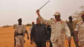 ما هي قوات الدعم السريع السودانية التي انسحب قائدها من المجلس العسكري؟