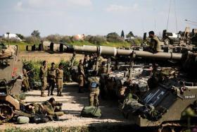 مسؤول أمني إسرائيلي يكشف مخاطر الحرب البرية في غزة أو لبنان