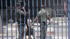 أبرز مطالب أسرى عسقلان هي وقف الاقتحامات الليلية وإلغاء العقوبات وعلاج المرضى