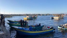 الاحتلال يفتح البحر أمام صيادي غزة بعد إغلاقه لـ 6 أيام