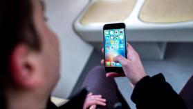 """الهواتف الذكية تحدث """"طفرات"""" عظمية في الجمجمة البشرية"""