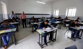 """76 ألف طالب وطالبة يتقدمون لامتحانات الثانوية العامة """"الإنجاز"""" في فلسطين"""
