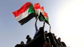 """في فيديو مسرب.. اعترافات مثيرة لقائد """"الانقلاب الفاشل"""" في السودان"""
