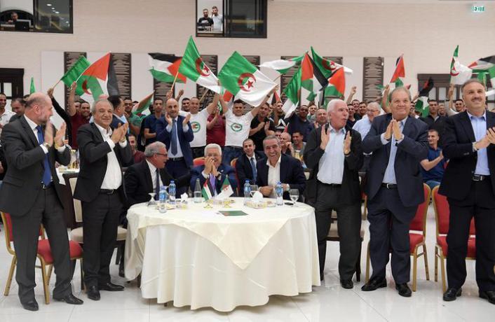 أبو مازن يتابع ويشجع منتخب الجزائر في نهائي كأس أمم أفريقيا