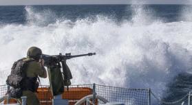 بحرية الاحتلال تهاجم قوارب الصيادين في بحر شمال القطاع