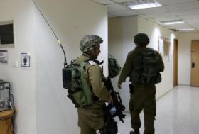 قوات الاحتلال تعتقل 23 مواطن خلال مداهمات بالضفة والقدس