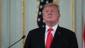"""ترامب: أنا """"المختار من الله"""" لخوض حرب تجارية مع الصين"""