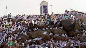"""""""ركن الحج الأعظم"""".. أكثر من مليوني حاج على صعيد عرفات"""