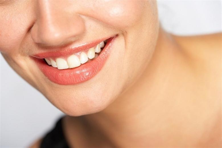 أسباب ظهور التجاعيد حول الفم