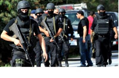 إصابة أحد رجال الأجهزة الأمنية برصاص مسلحين في مخيم بلاطة (فيديو)
