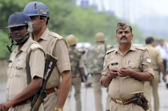 الهند.. الشرطة تأمر عناصرها