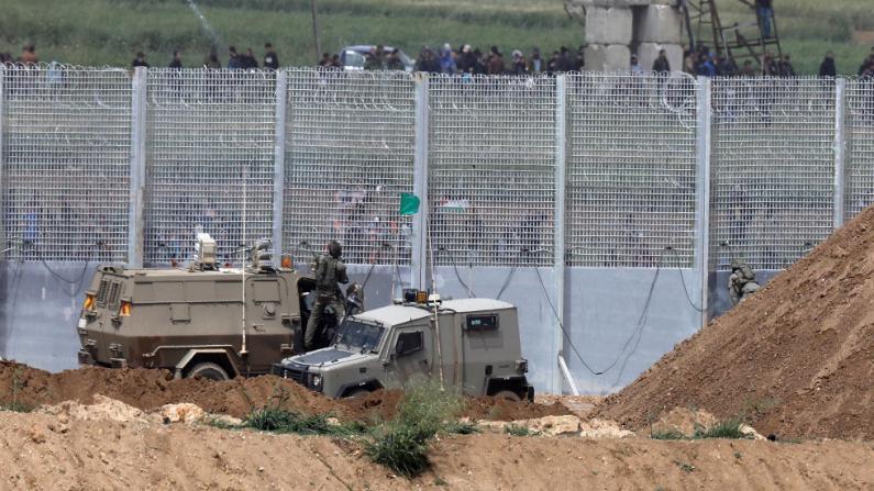 محلل إسرائيلي: حدود قطاع غزة تشهد حالة غليان وتوتر