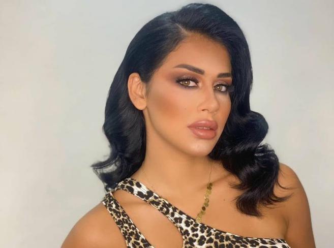 الإعلامية السورية الملكة يارا إسماعيل