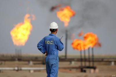 النفط ينزل بفعل ارتفاع إصابات فيروس كورونا
