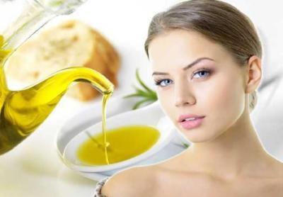 4 وصفات من زيت الزيتون لبشرة نقية وبدون شوائب